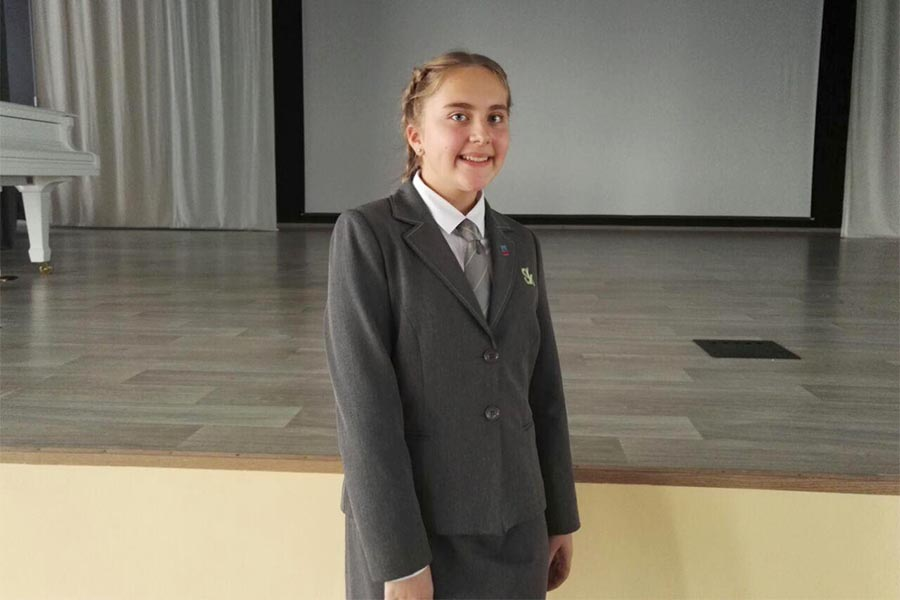 Вероника Иванова - президент школьной организации в Сколково