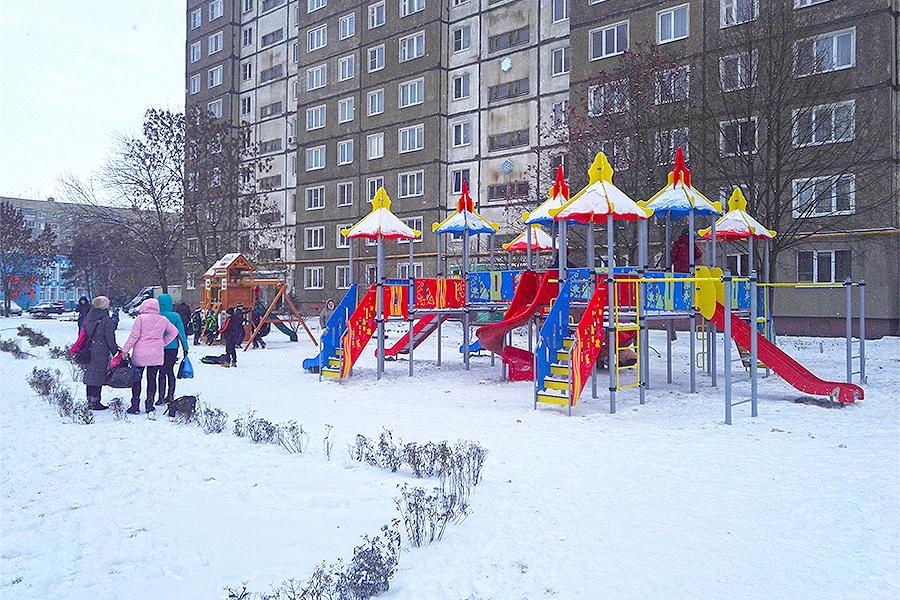 """Игровой комплекс в новом сквере """"Школьный"""" на улице Магистральной"""