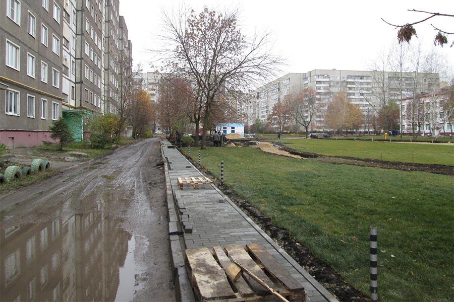 """Строительство сквера """"Школьный"""" на Чичерина"""