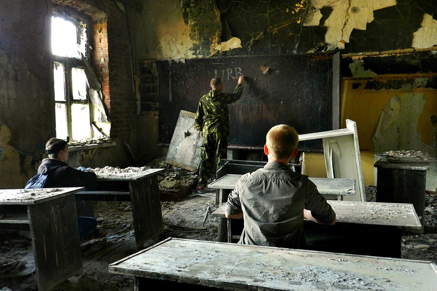 Тамбовские исследователи в заброшенной школе в Мичуринске