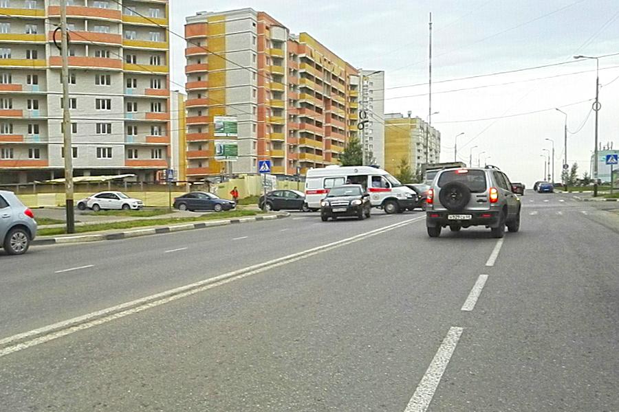 Перекресток улицы Агапкина и Глазкова