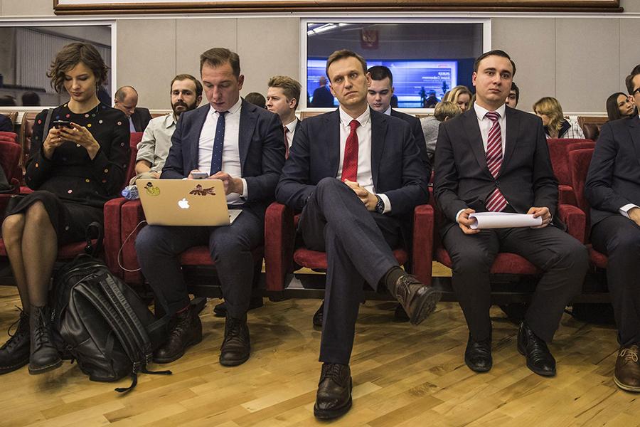 Политик лично прибыл в ЦИК, чтобы присутствовать при рассмотрении вопроса о его регистрации/ Фото Ведомости.ру